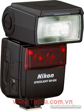 Đèn Flash: Nikon Flash Speedlight SB-600
